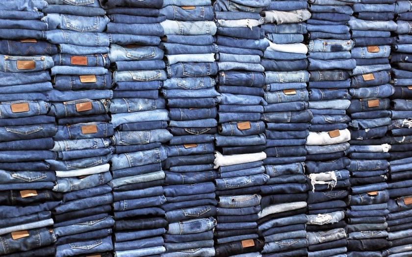 De gemiddelde Nederlander heeft vijf spijkerbroeken in zijn kast hangen. Daarmee staan wij in de top drie van meeste spijkerbroekdragers in de wereld.