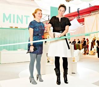 Marieke Eyskoot (links) met Halina Reijn